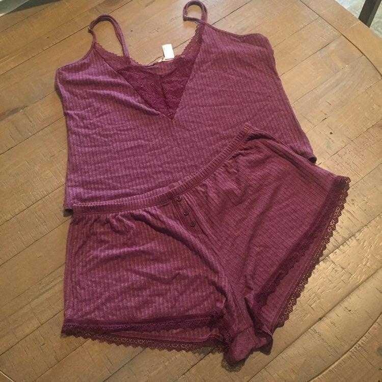 Victoria Secret short pajama set size L
