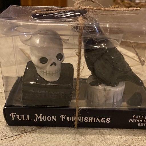 Halloween Skull Salt & Raven Pepper