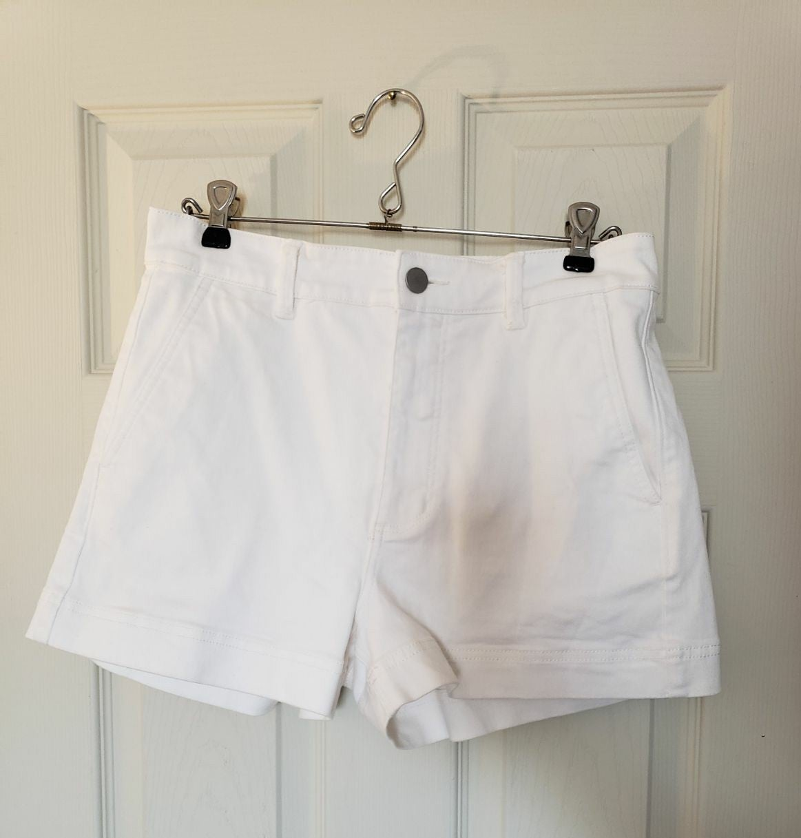 Everlane White Shorts Size 6