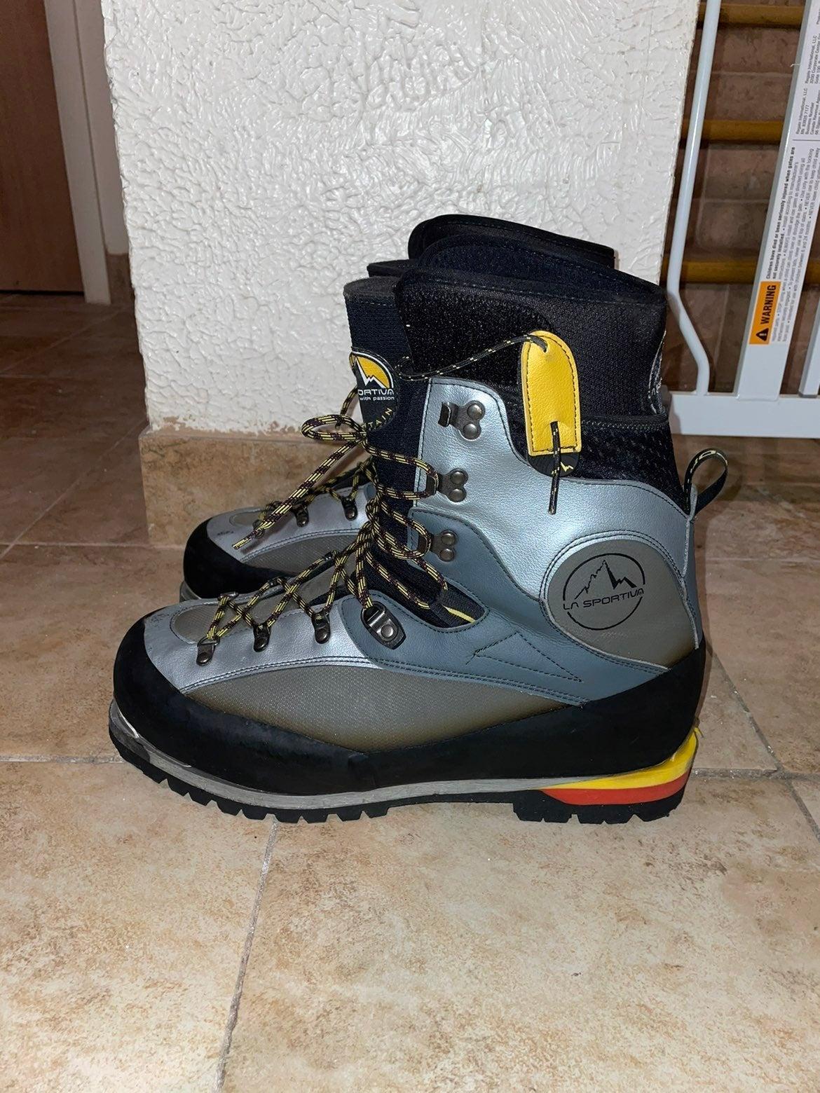 La Sportiva Hiking boots sz 14