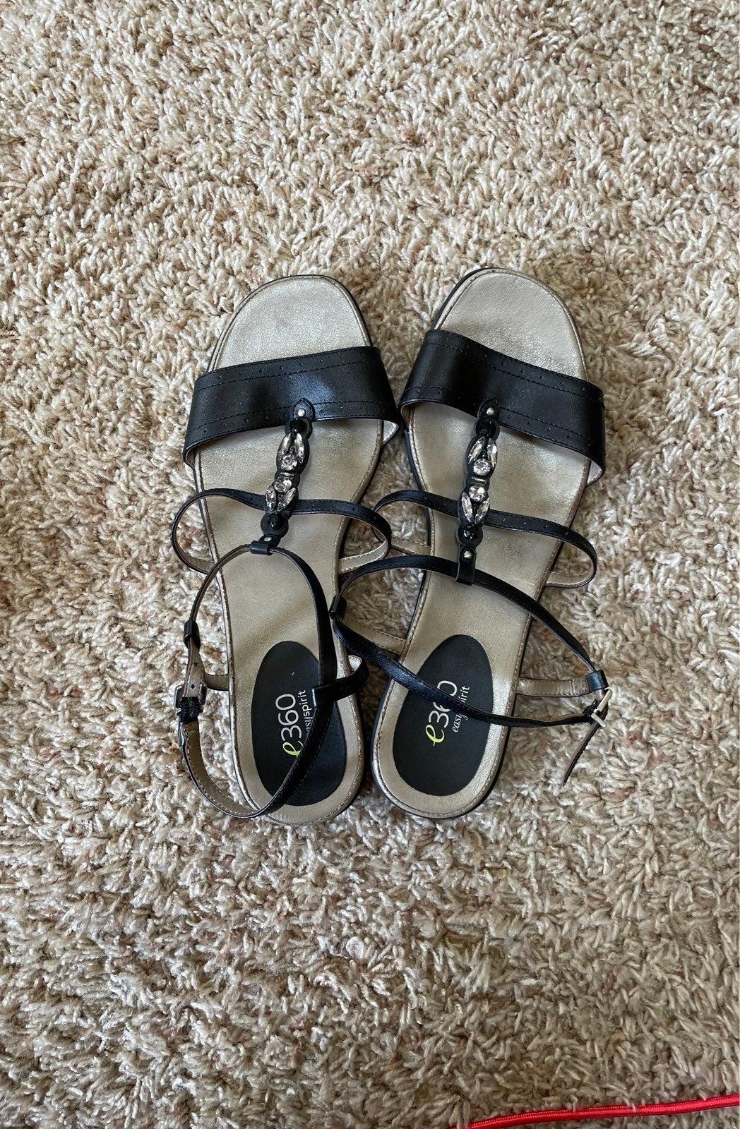 E360 Easy Spirit size 9 sandals