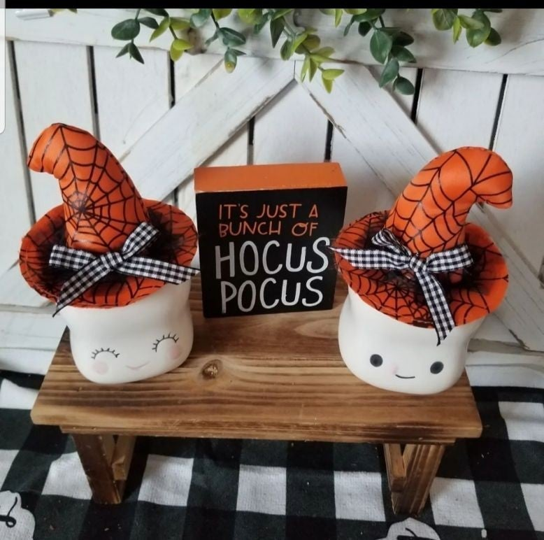 2 HOCUS POCUS WITCH HATS 4 MUGS