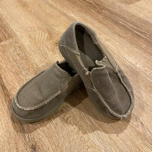 Size 11 boys crocs