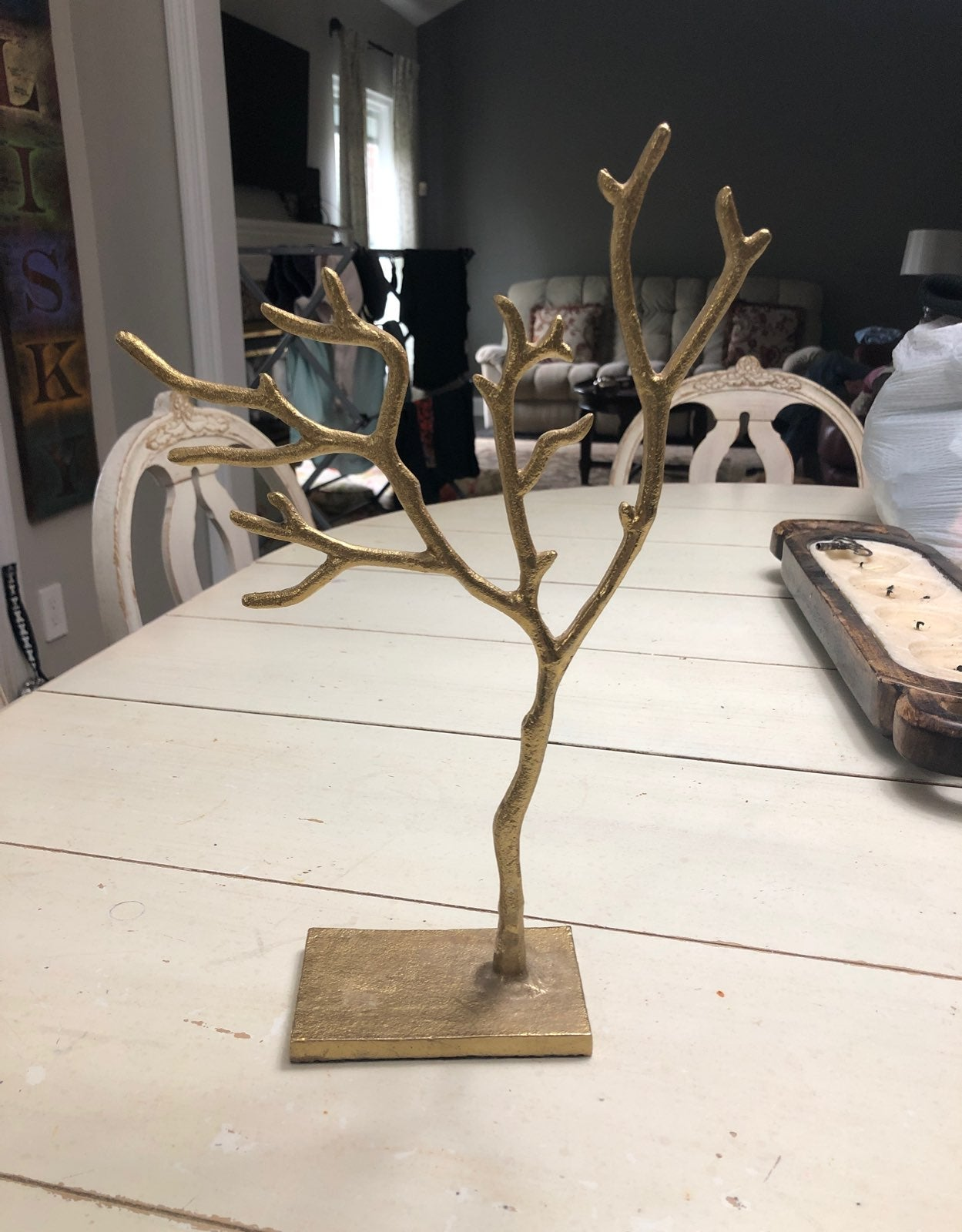 Gold accent jewelry tree