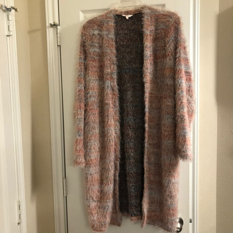 Soft pink long sleeve winter cardigan