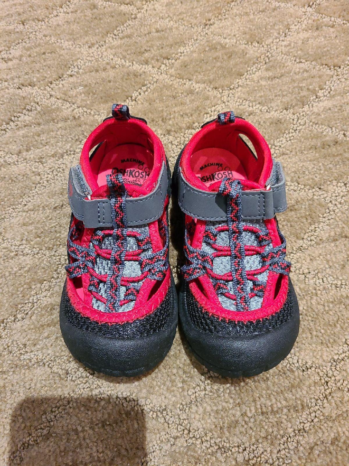 New Osh kosh toddler boys sandals