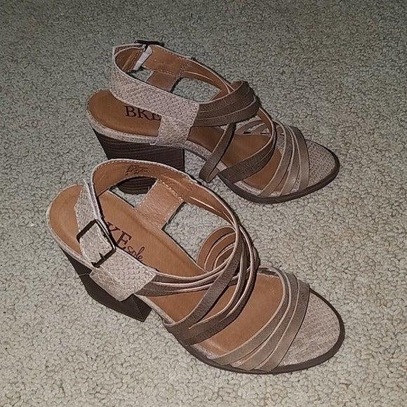 BKE Tease strappy sandal