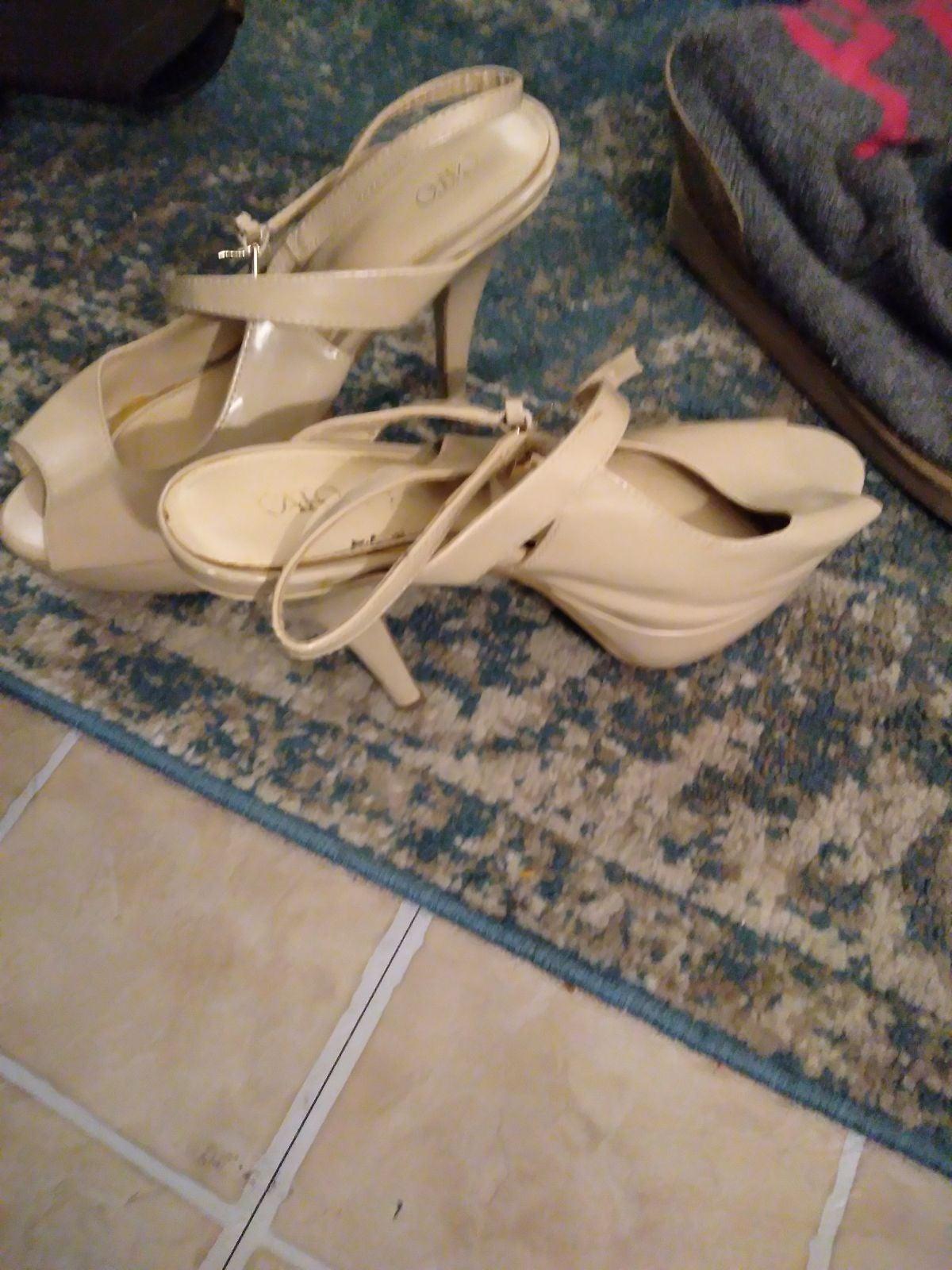 High heels shoes