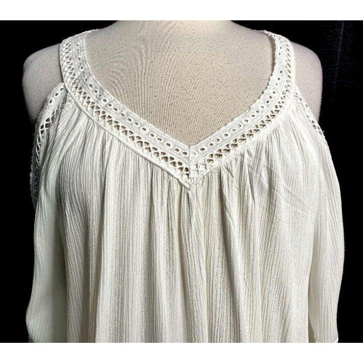 Romans 12W Lace Trimmed Cold Shoulder To