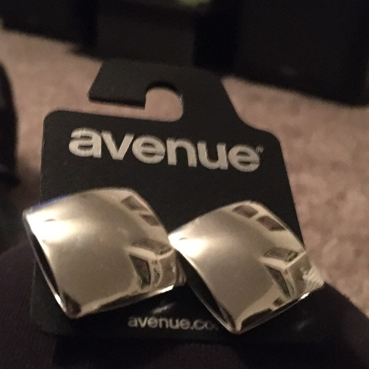 Avenue square earrings