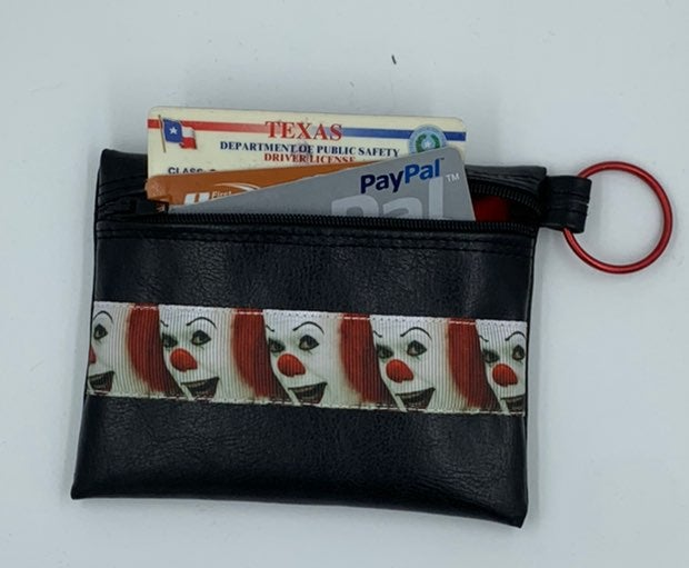 IT / Pennywise zipped pouch