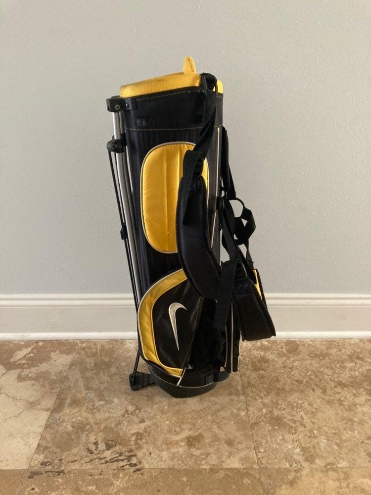 Nike SQ Machspeed Junior Golf Bag