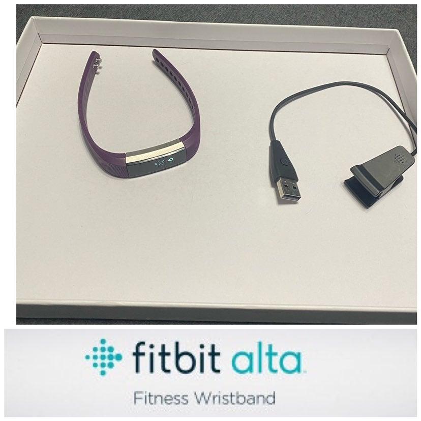 Fitbit Alta Tracker Plum Purple Small