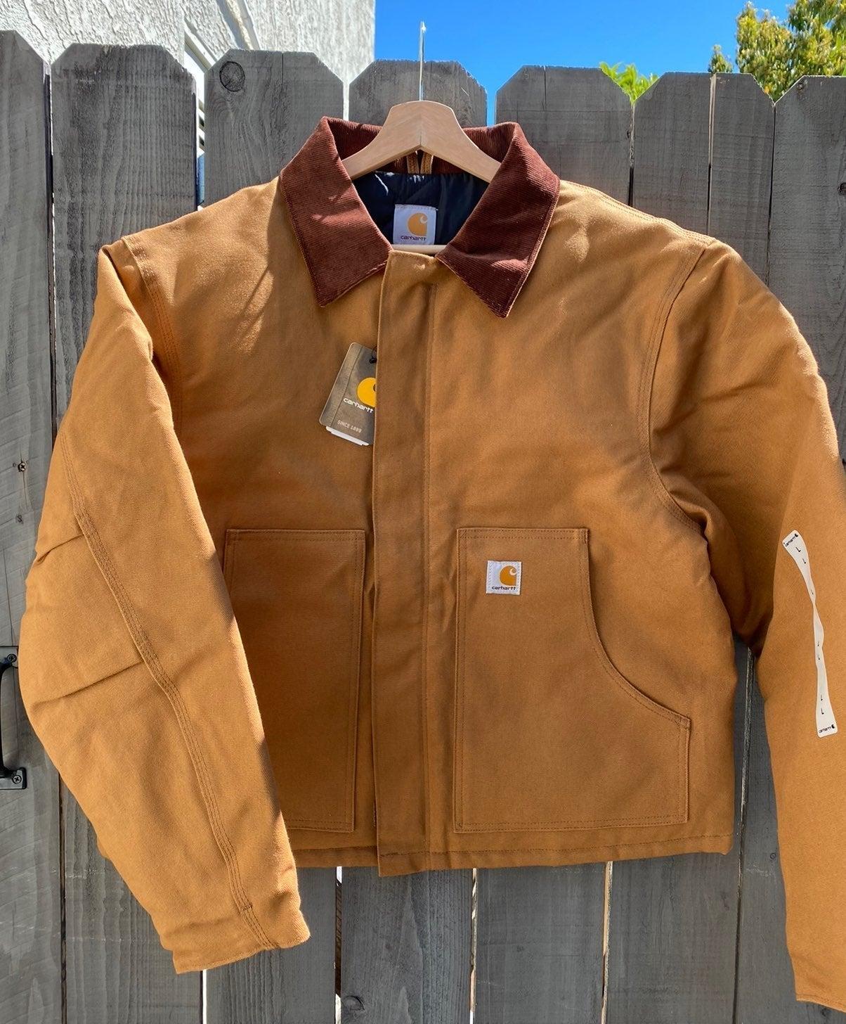 NWT Mens Carhartt J002 jacket Size Large