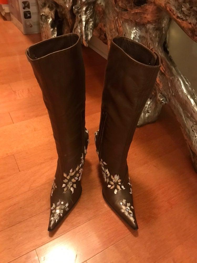 Privilege Boots