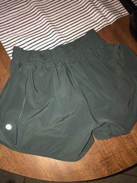 lululemon hotty hot shorts 4