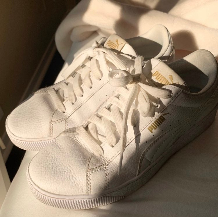 Womans white Puma shoes