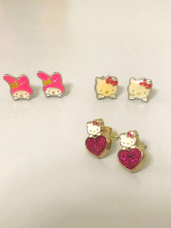 cute earrings for Hello Kitty fans