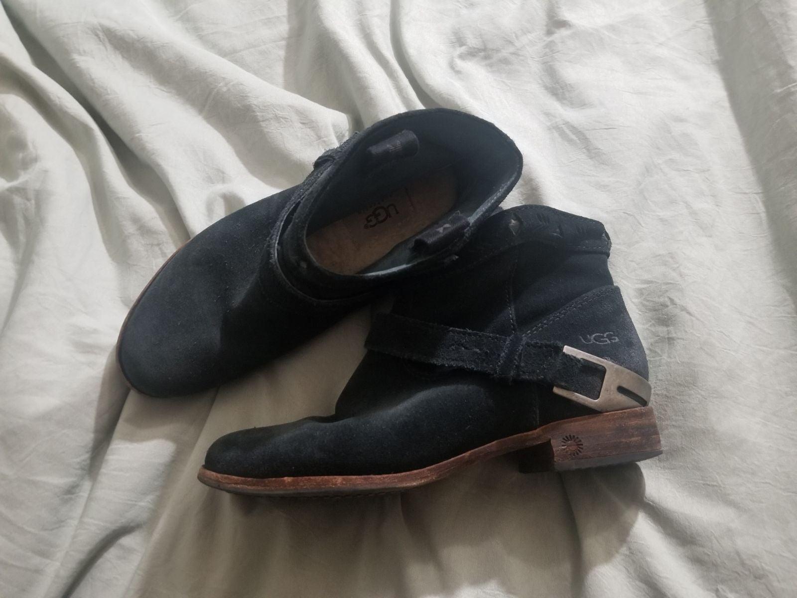Black booties - UGG size 5