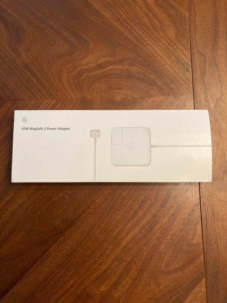 MacBook Air Power Cord