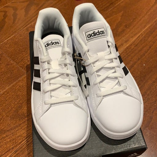 NEW Adidas Grand court K sneakers