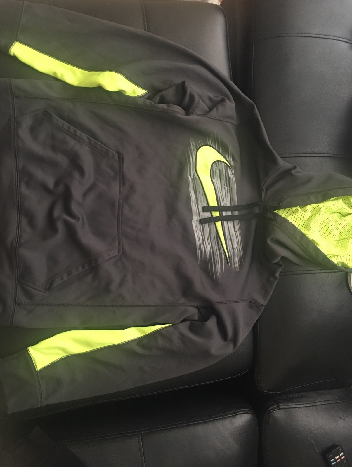 Nike hoodie therma fit size small