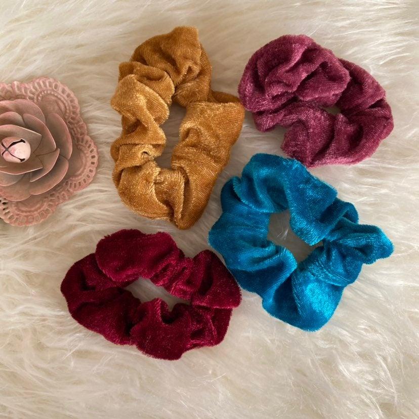Hair Scrunchies set of 4 NWOT