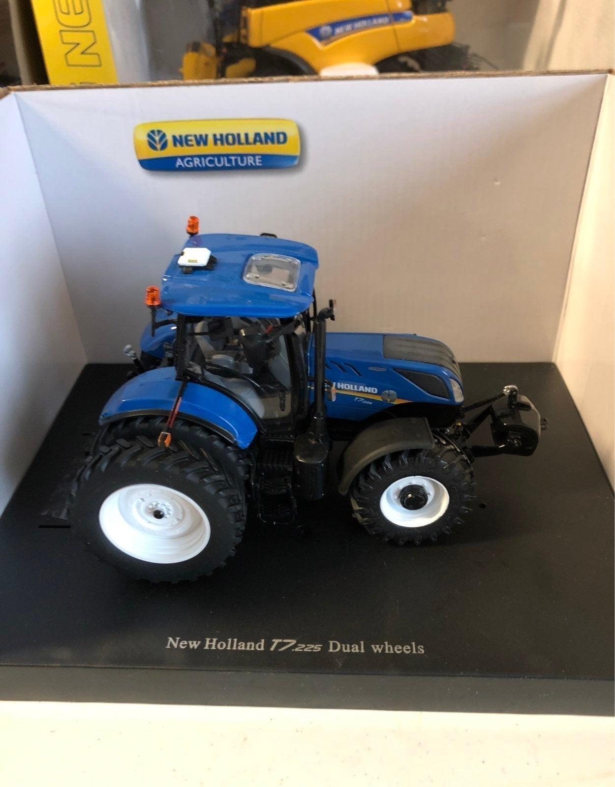 New holland T7.225 dual wheels 1:32