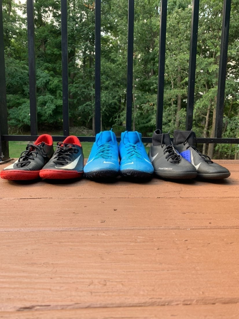 NIKE Indoor Soccer Cleat Bundle