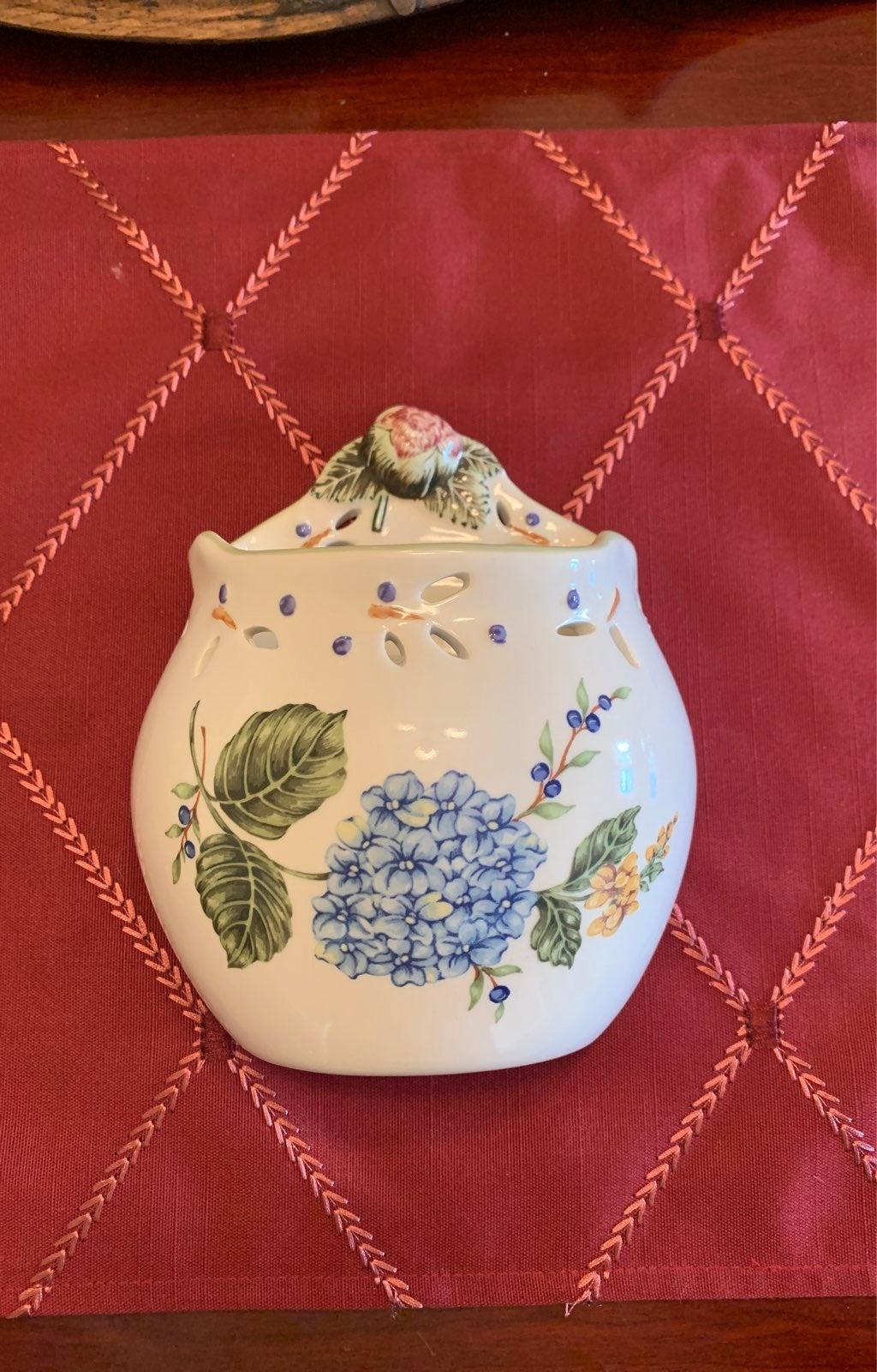 Vintage Garden Princess House Ceramic