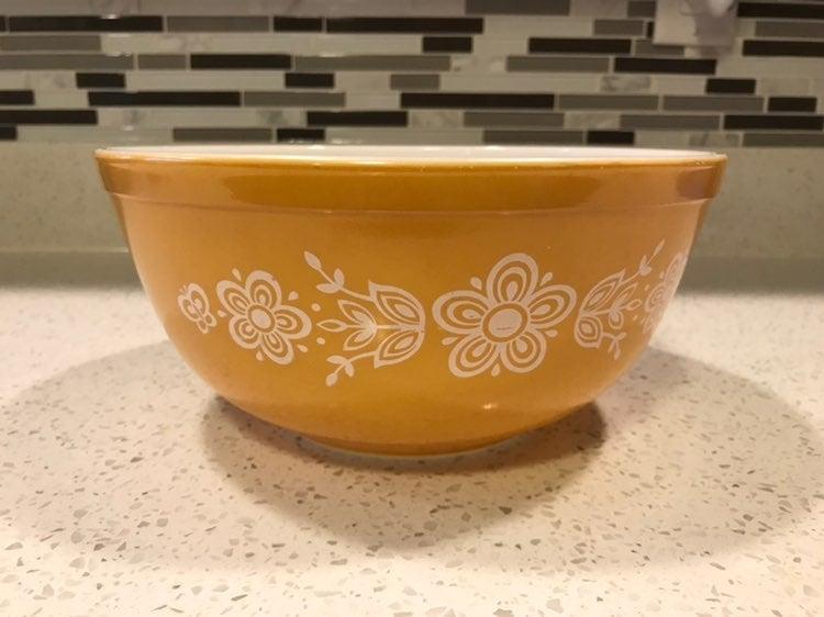 Pyrex Gold Butterfly Nesting Bowl