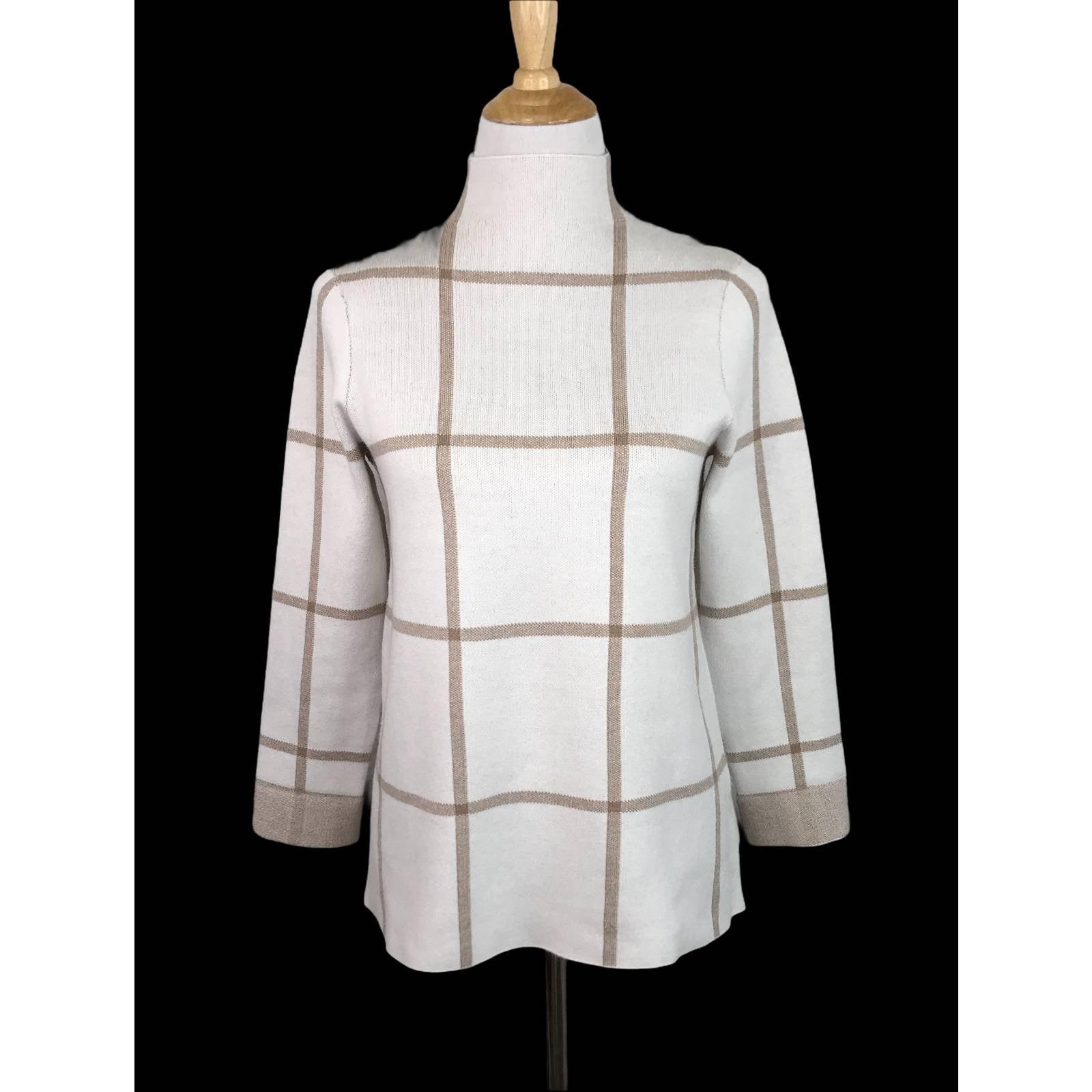 TAHARI Plaid Boxy Mck Neck Sweater Small