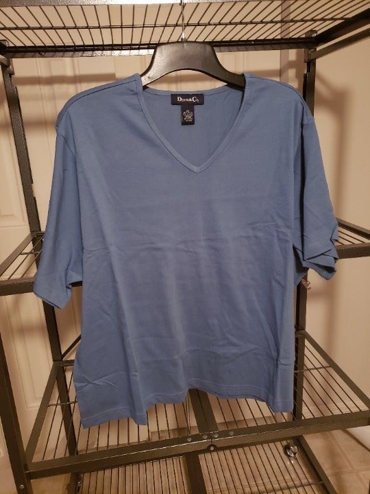 Denim & Co v-neck top NEW