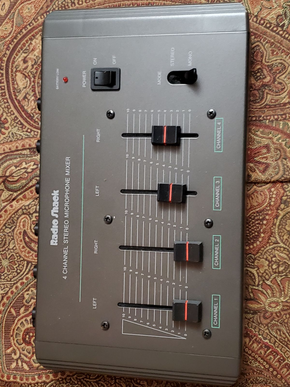 4 Channel Stereo Mic Mixer!!!