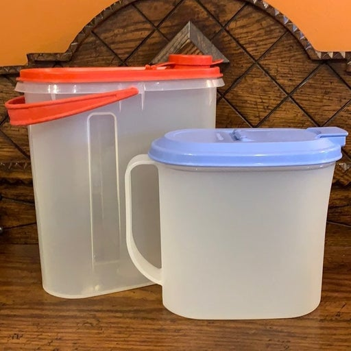 2 vintage Tupperware containers
