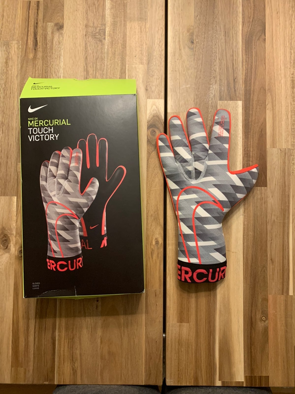 Nike Soccer Mercury Touch Victory Gloves