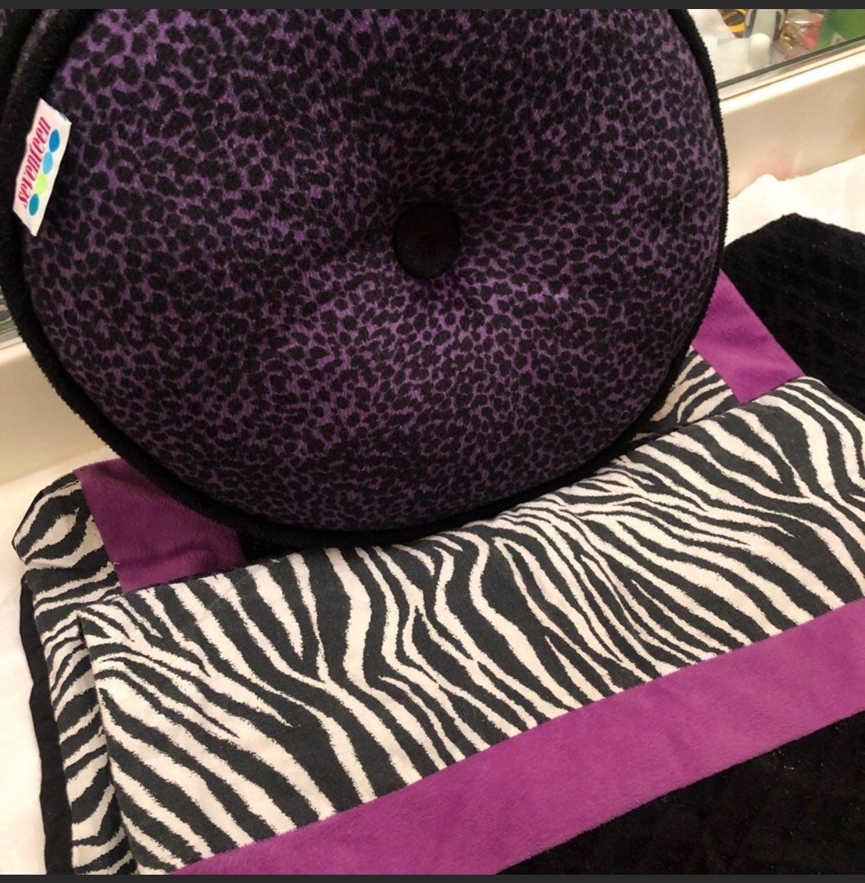 Seventeen ♥️ 2 shams, 2 pillows