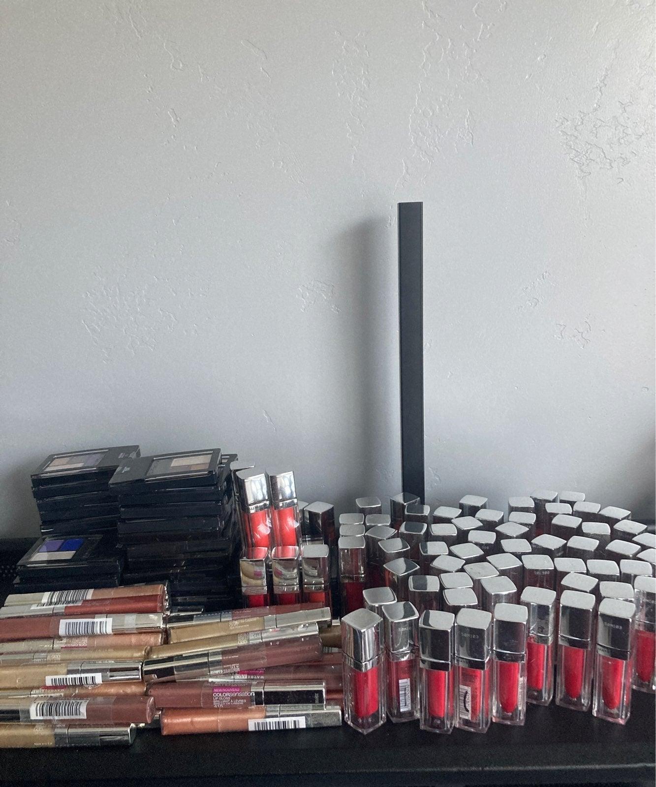 Maybelline makeup lot lip gloss/eyeshado