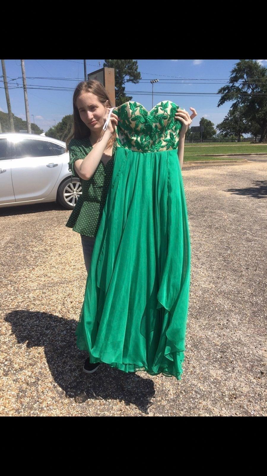 *BEAUTIFUL* green Sherri Hill dress