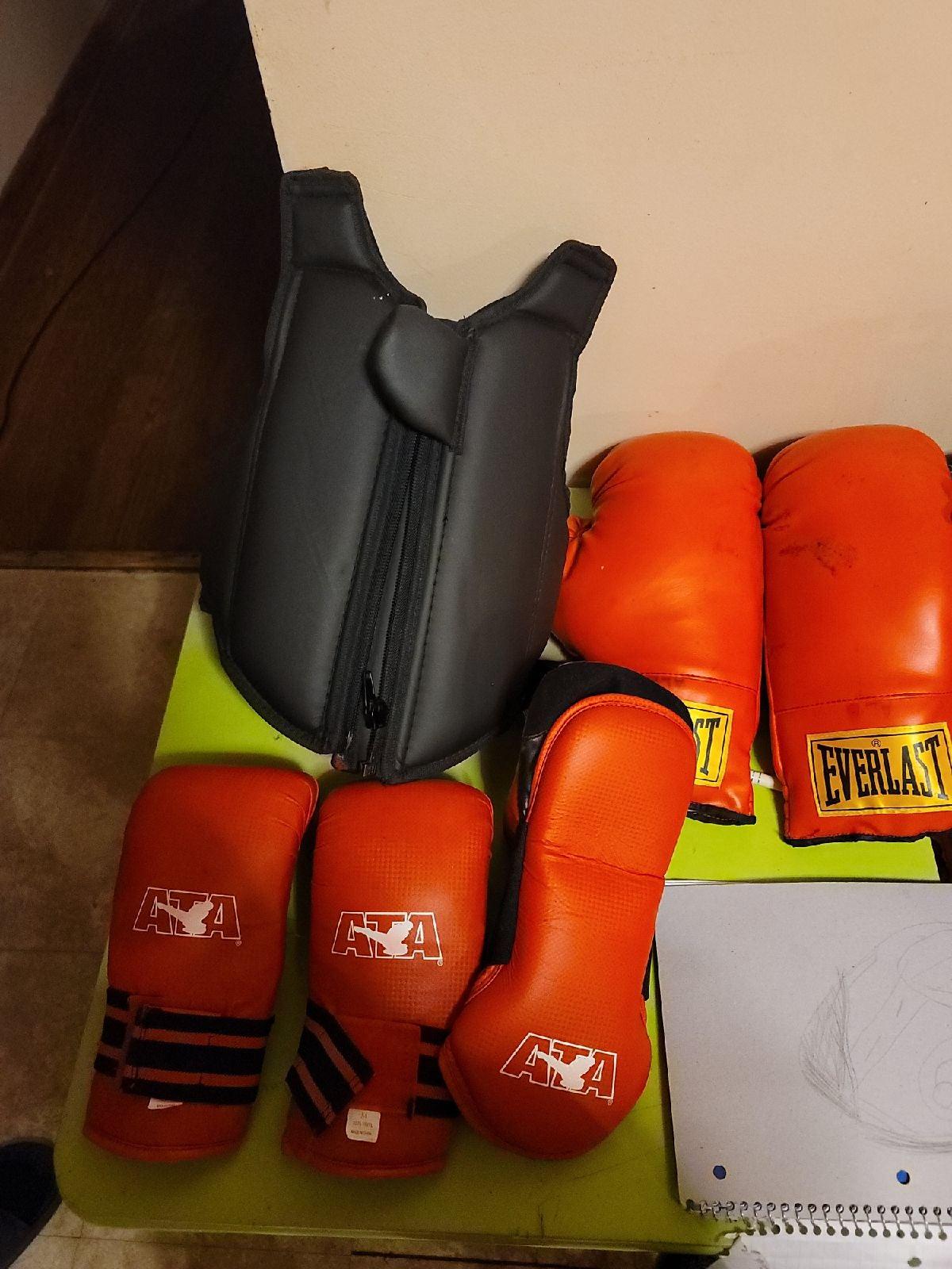 Everlast boxing gear