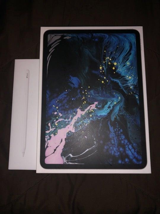 iPad Pro 11 inch - 2018 - 256GB w/Pencil