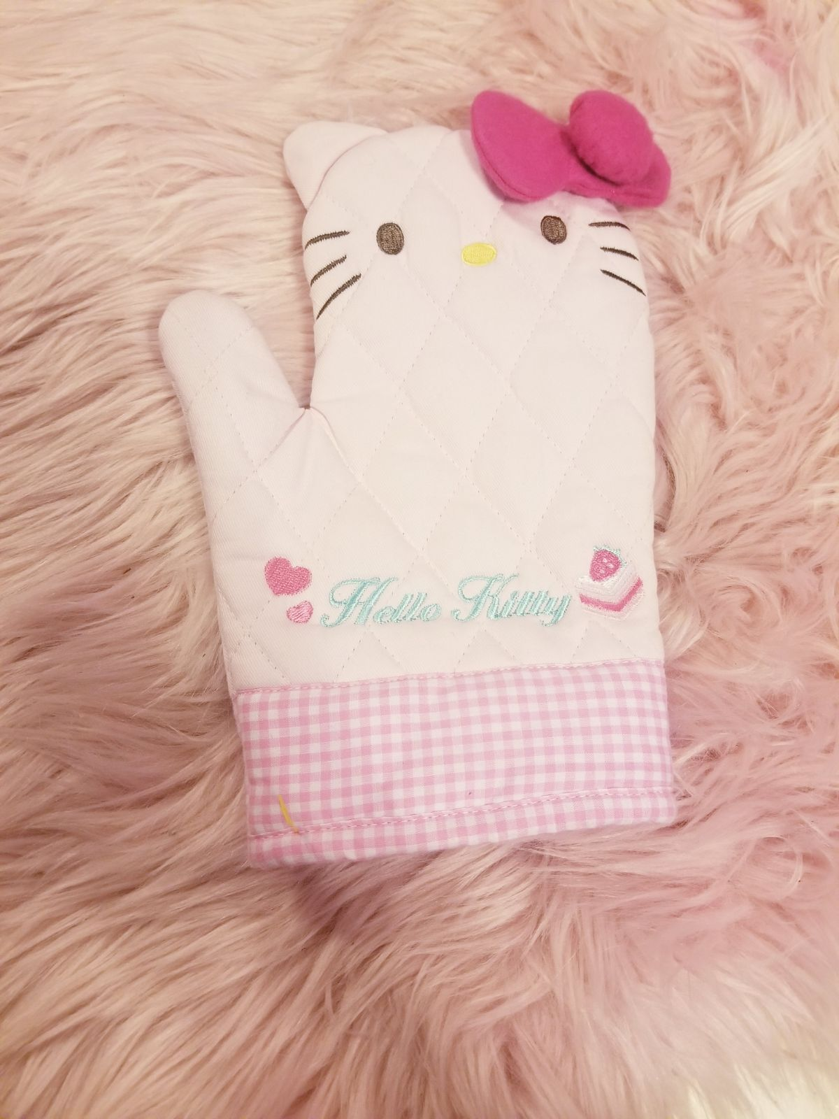 Hello Kitty kitchen glove
