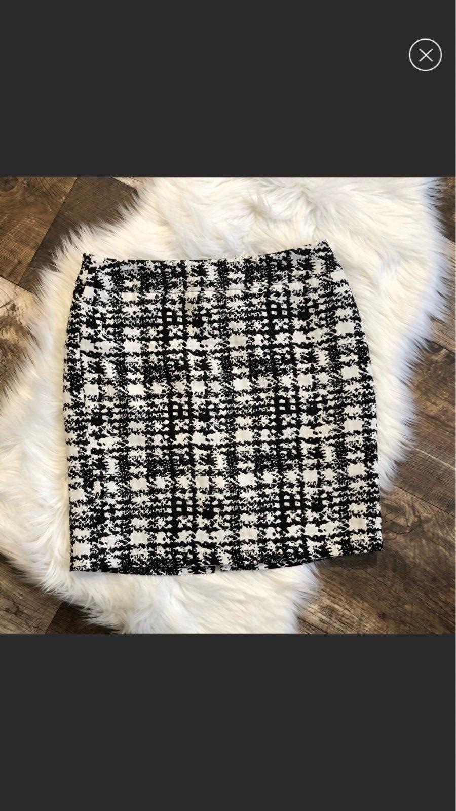 Ann Taylor Classic Pencil Skirt