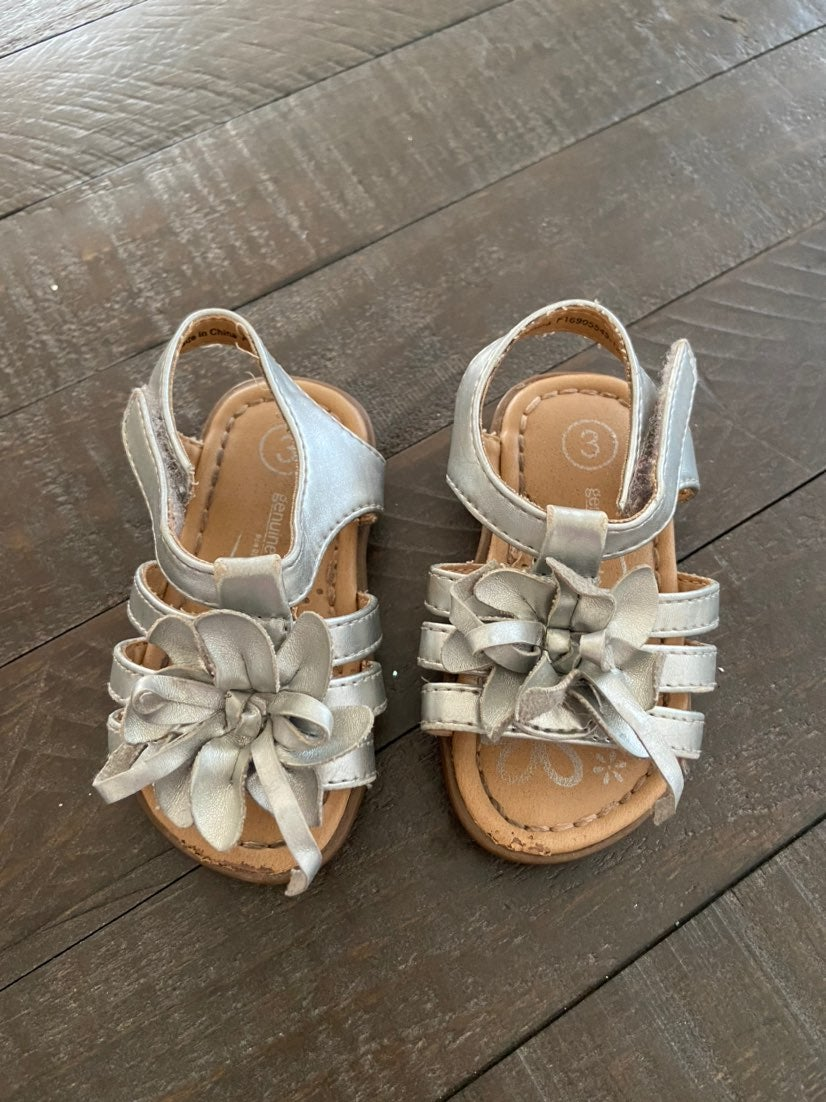 Baby toddler girl sandels silver oshkosh