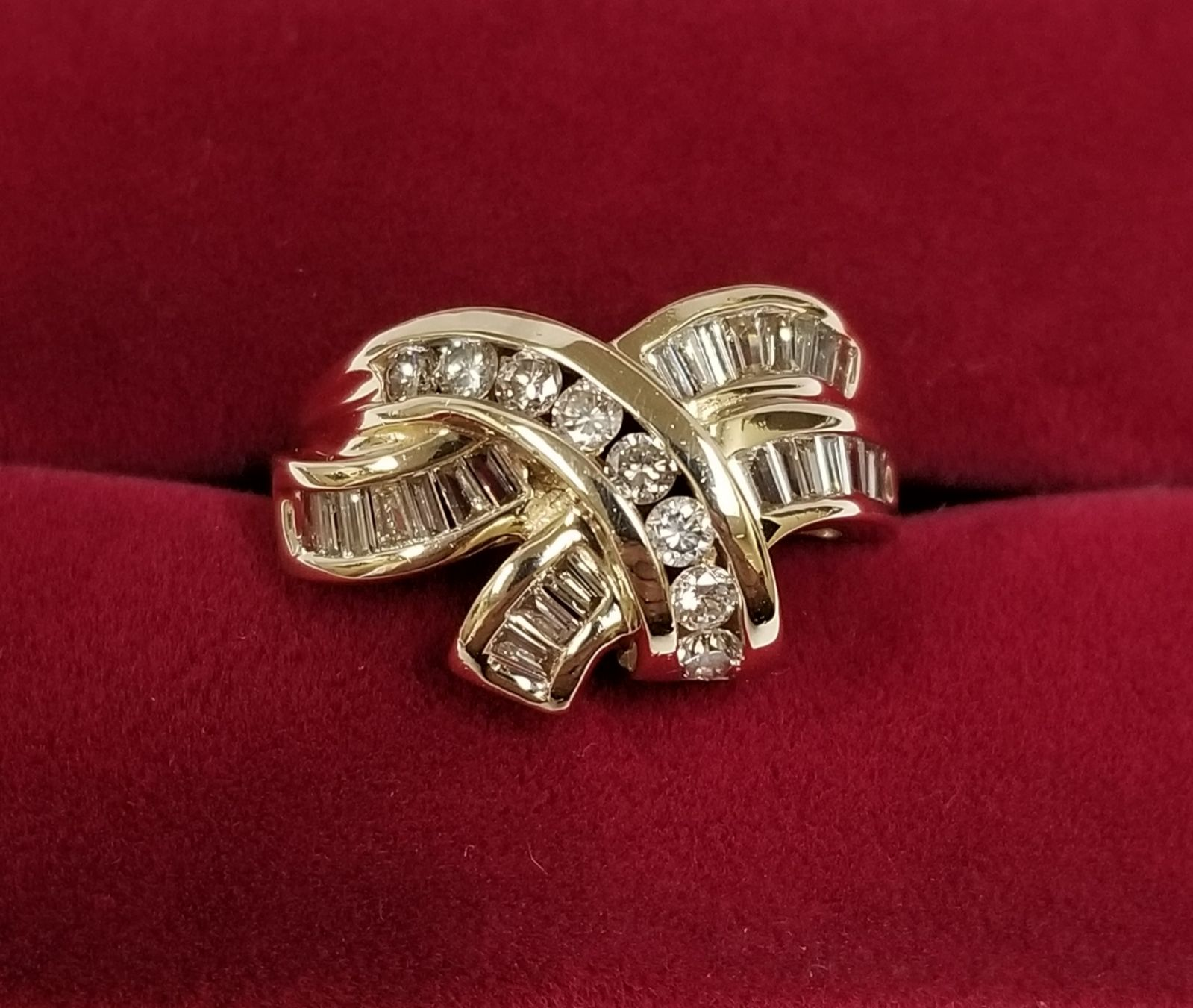 10k Gold Diamond Cocktail Swirl Ring