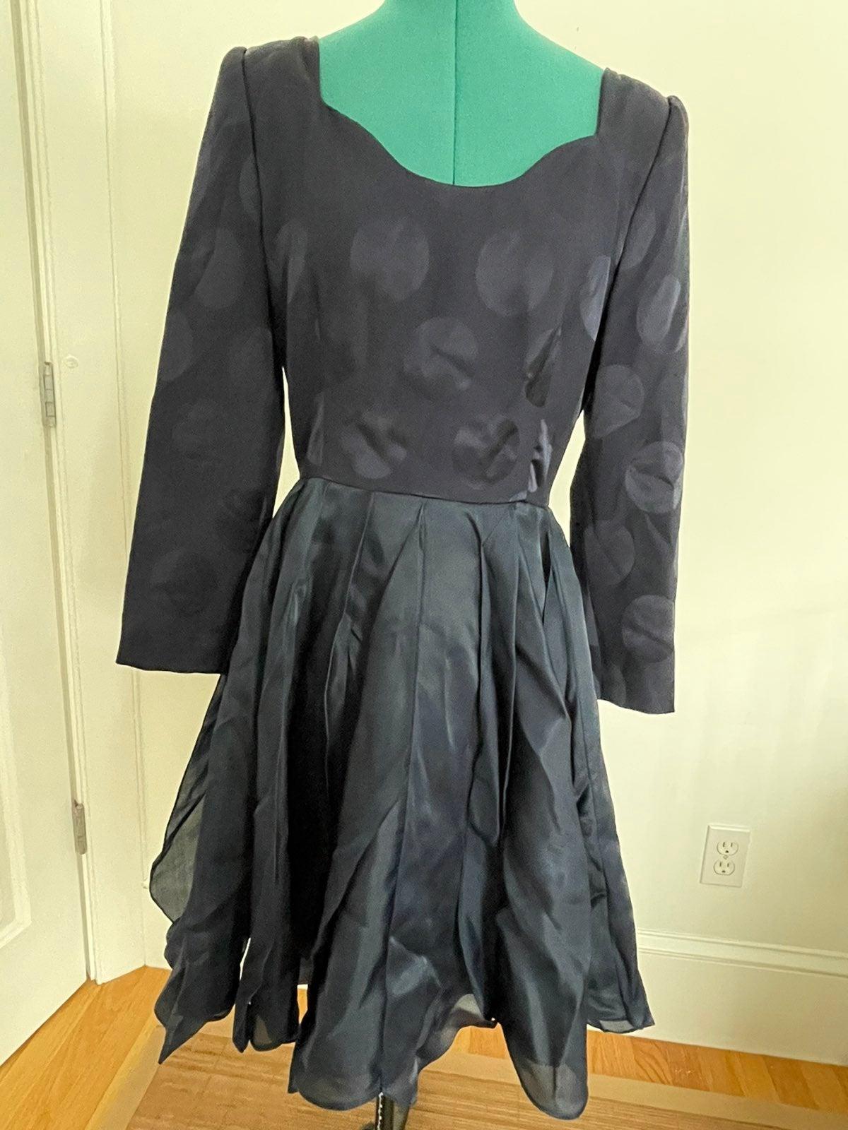 Carolina Herrera silk navy dress sz 6
