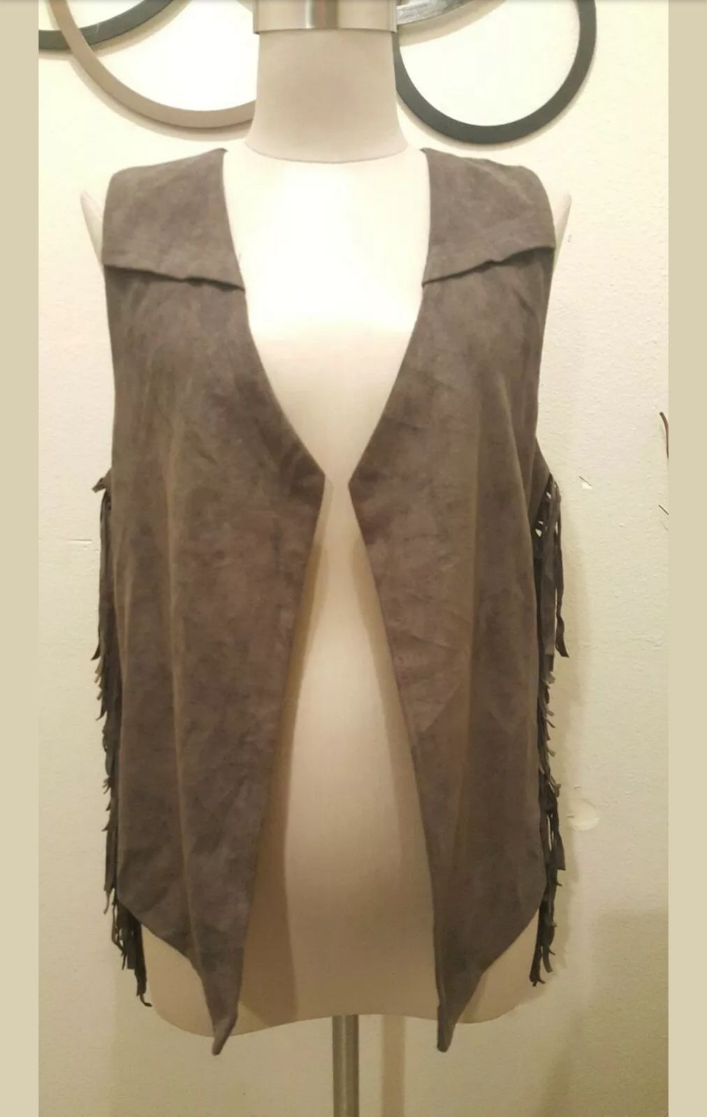 Umgee,Vest faux suede Size Small New