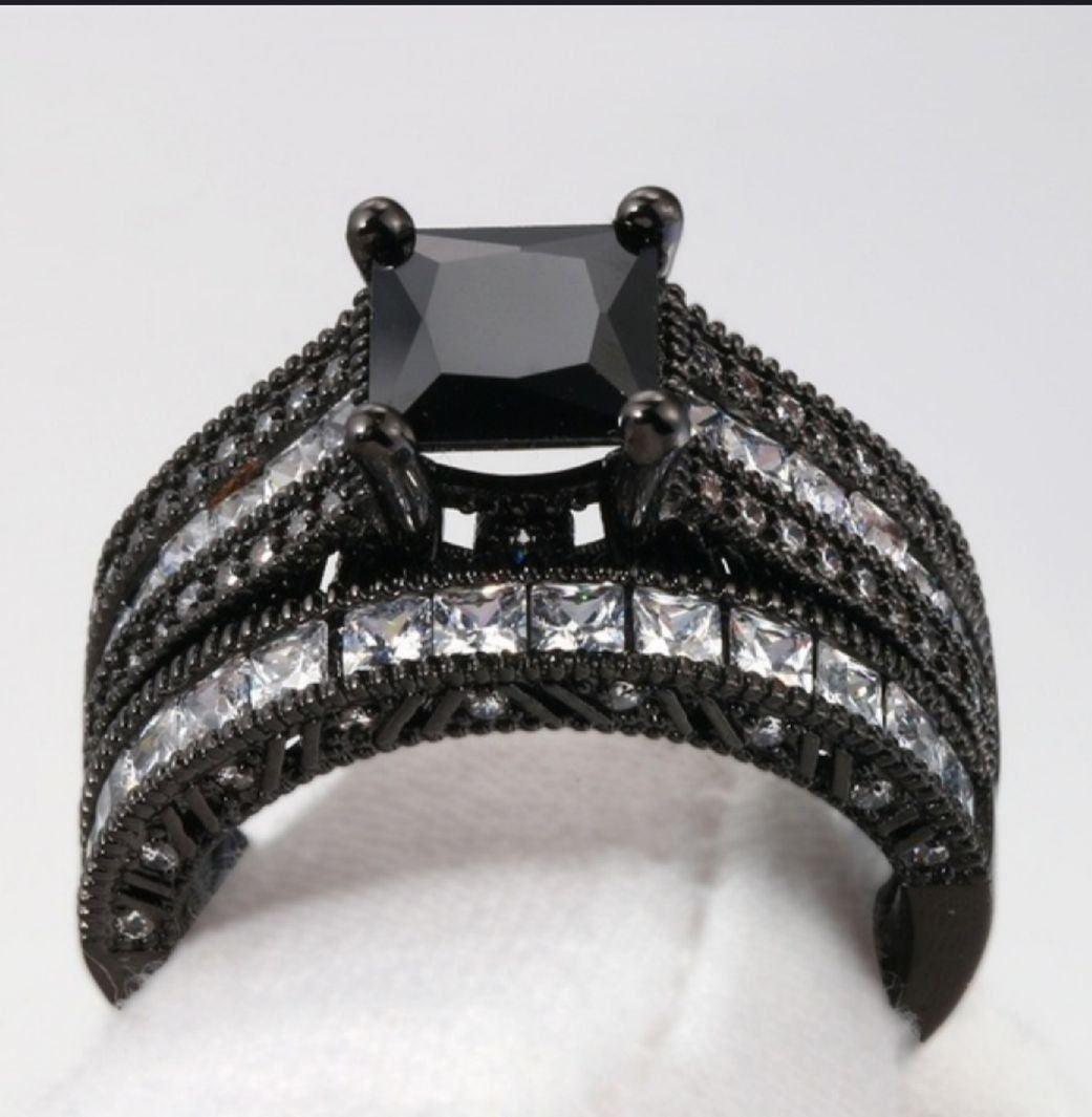 925/18K BLACK &WHITE  RING 40 SIZE 6