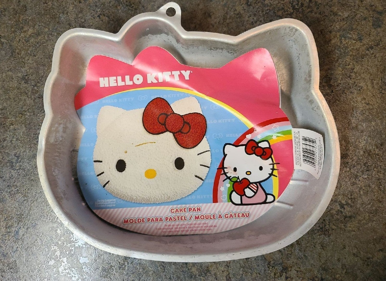 Hello Kitty Head Cakepan!