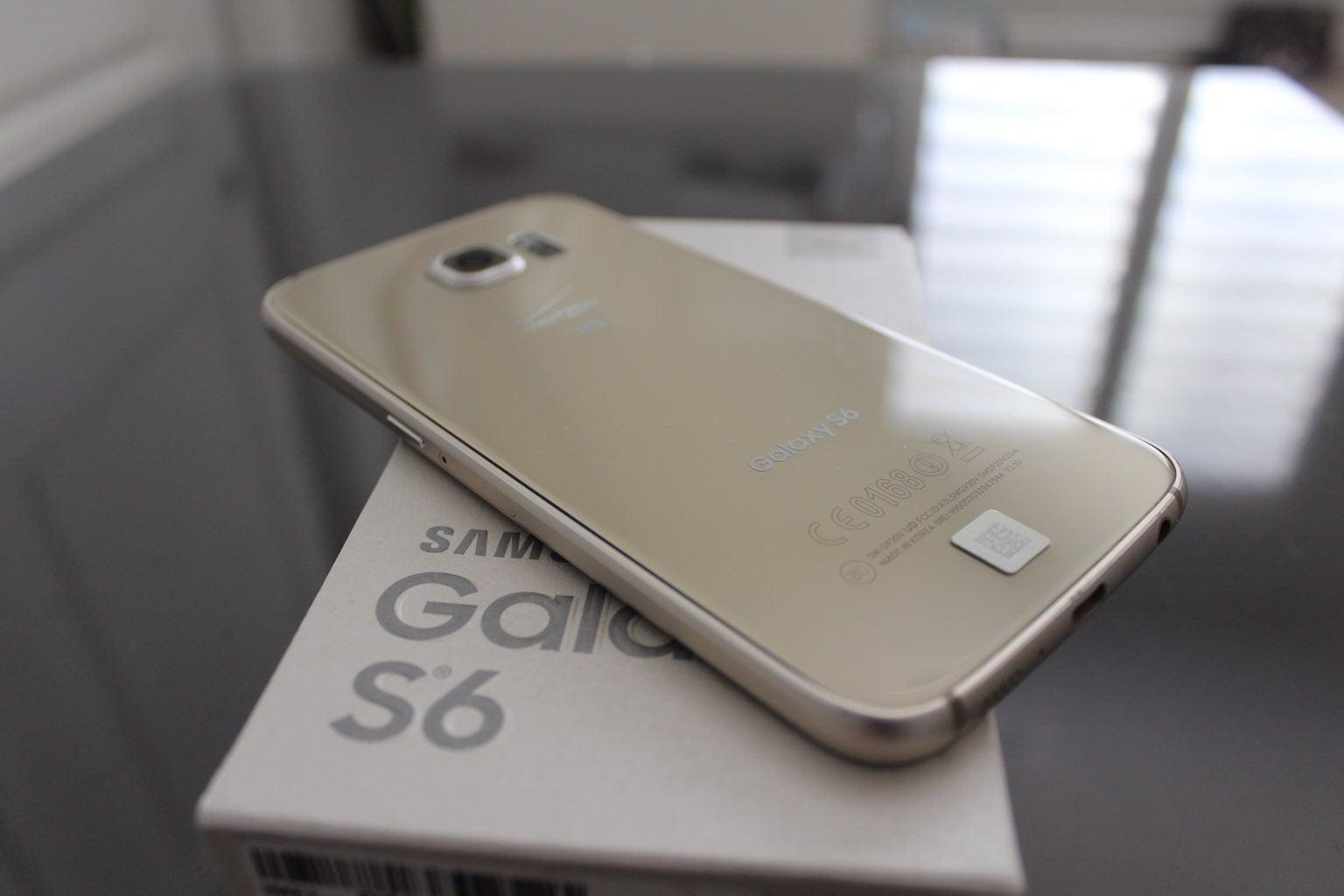 Gold Samsung Galaxy S6 Verizon 32GB Smar